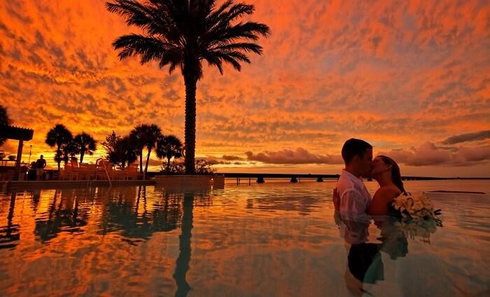 honeymoon romance - Romantic Things Every Couple Must Do
