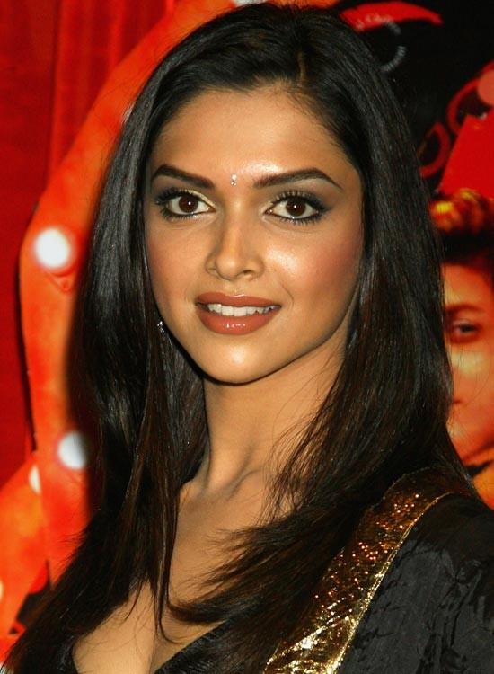 Deepika Padukone Bollywood Actress Hairstyle