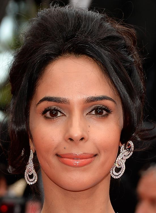 Malika Sherawat Bollywood Actress Hairstyle