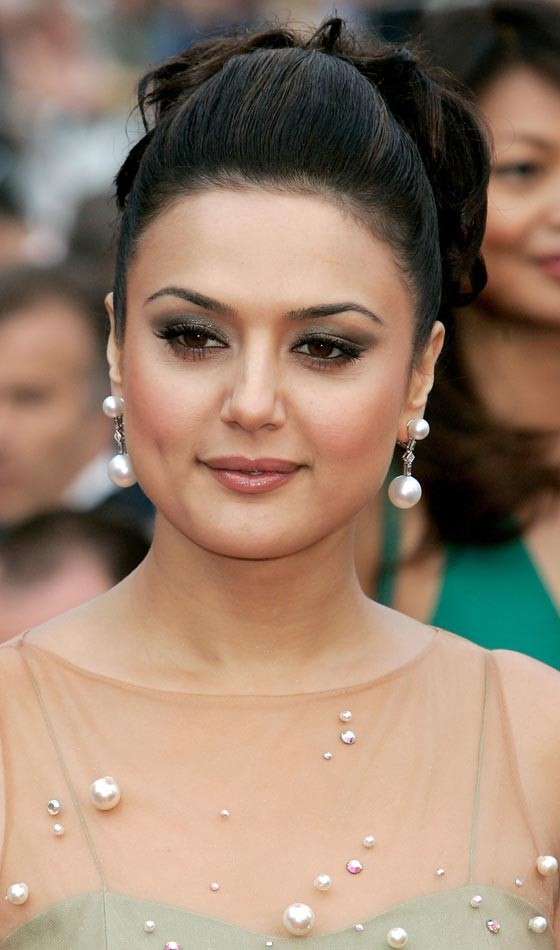 Preity Zinta Bollywood Actress Hairstyle