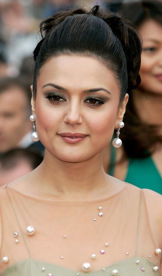 Preity Zinta Bollywood Actress Hairstyle