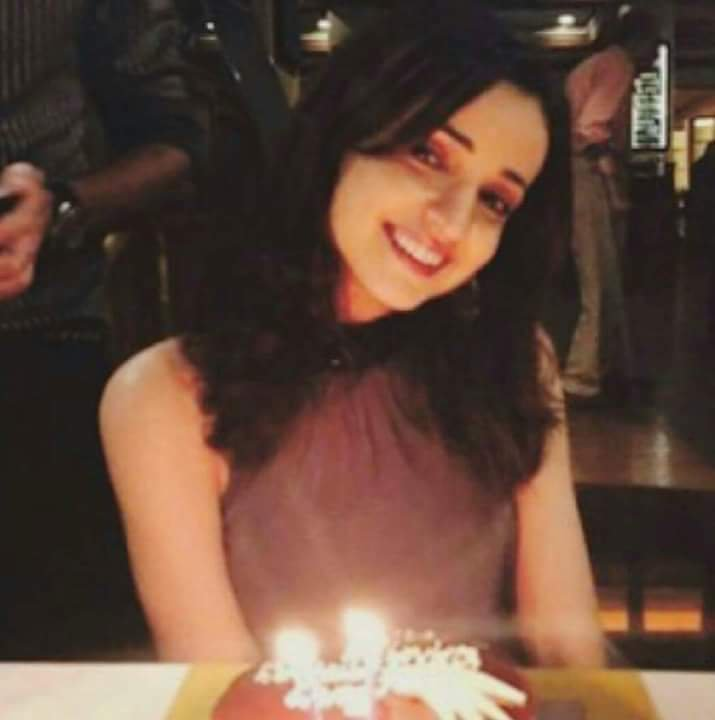Sanaya Irani No MakeUp
