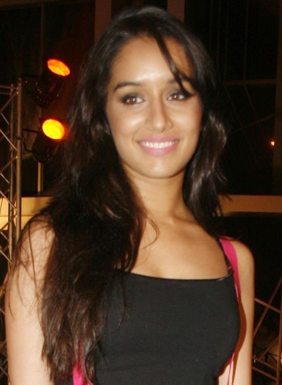 Shraddha Kapoor Bollywood Actress Hairstyle