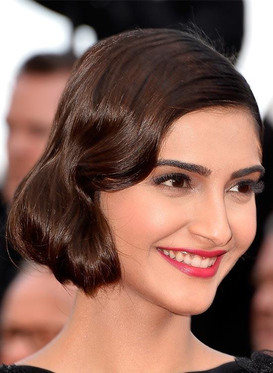 Sonam Kapoor Bollywood Actress Hairstyle