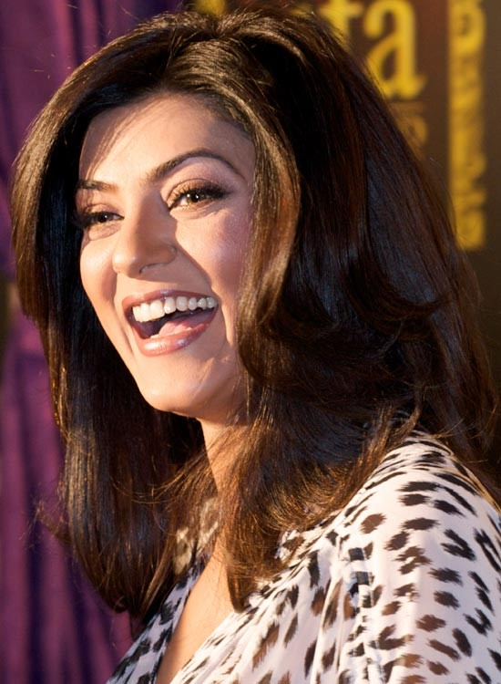 Sushmita Sen Bollywood Actress Hairstyle