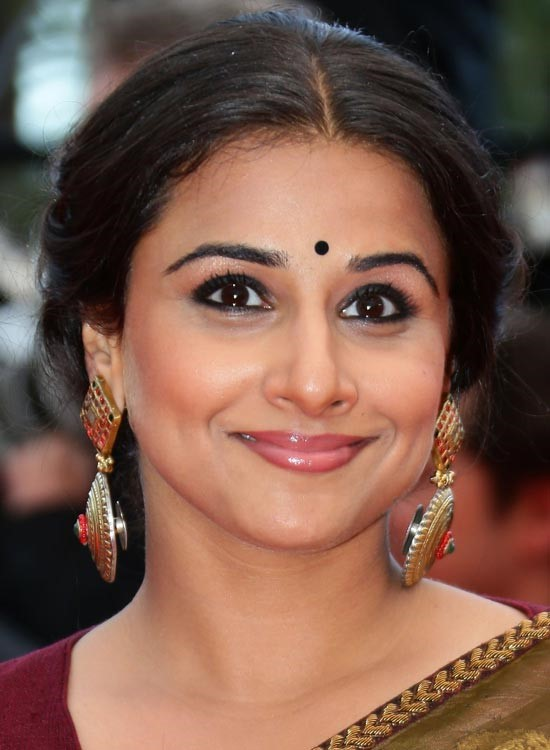 Vidya Balan Bollywood Actress Hairstyle