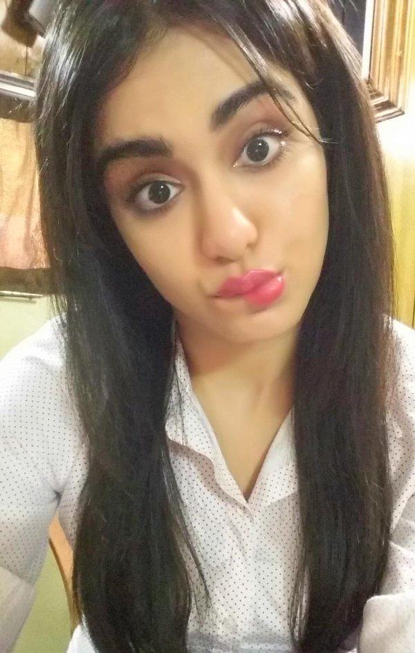 adah sharma no makeup