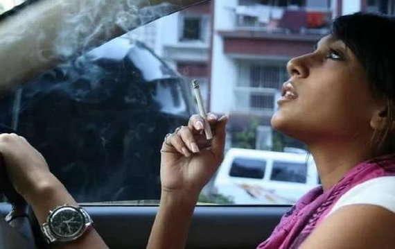 Shweta Salve Smoking in Real Life