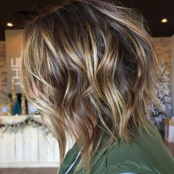 Bobbed with Highlights Hairstyles for Girls with Medium Hair