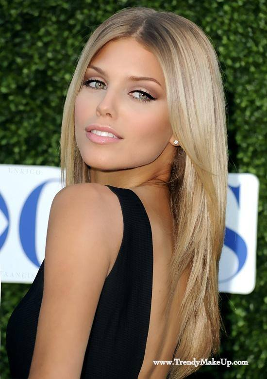 Creamy Softlook Straight Hairstyle for Women