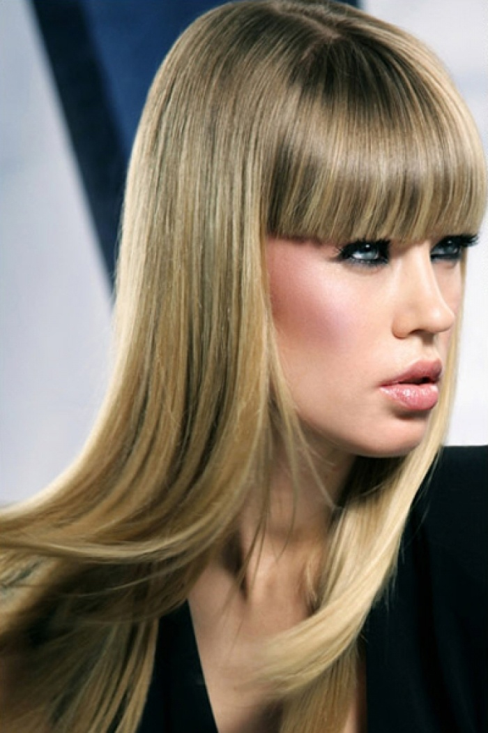 Long Top Edge Straight Hairstyle for Women
