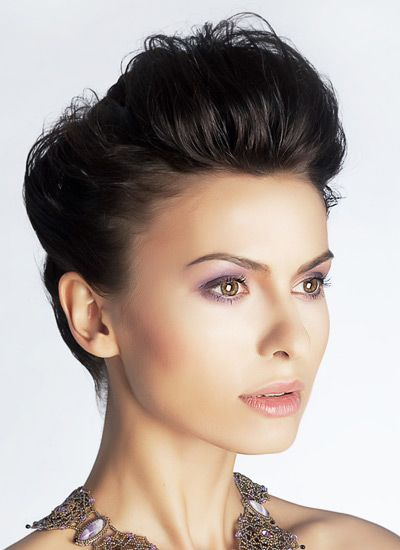 Quiff Style Hairstyle for Women