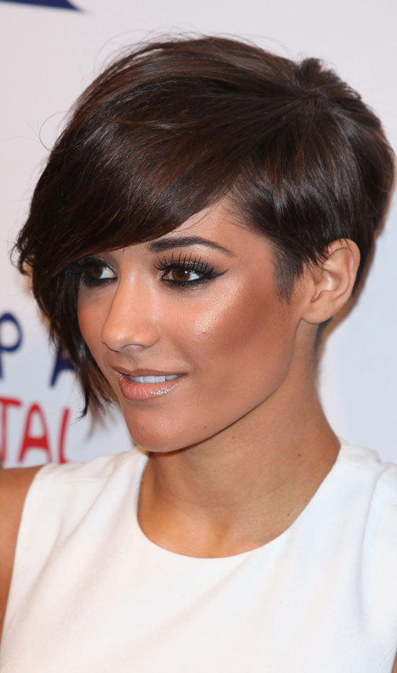 Short Crop and Side Bangs Hairstyles For Women