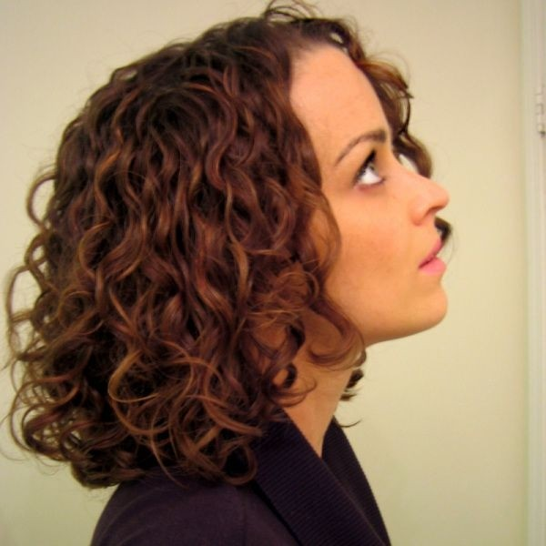 Tapered Curls Hairstyles for Girls with Medium Hair