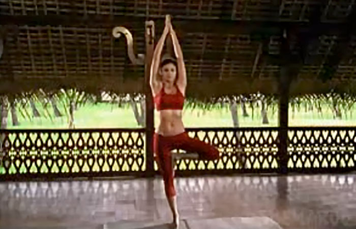 Vrikshasana Shilpa Shetty Yoga Poses-look4trends