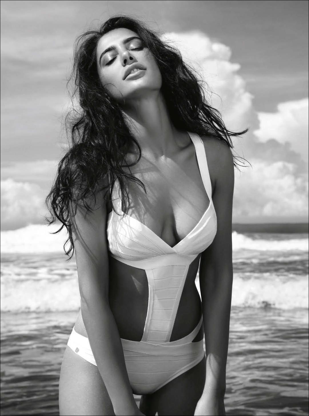 Nargis Fakhri world most beautiful girl