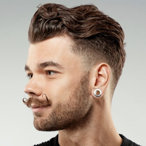 Messy Waves Short Hairstyle For Men
