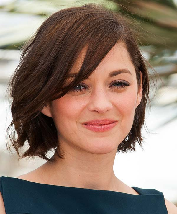 Side Parted Short Hairstyle for Women