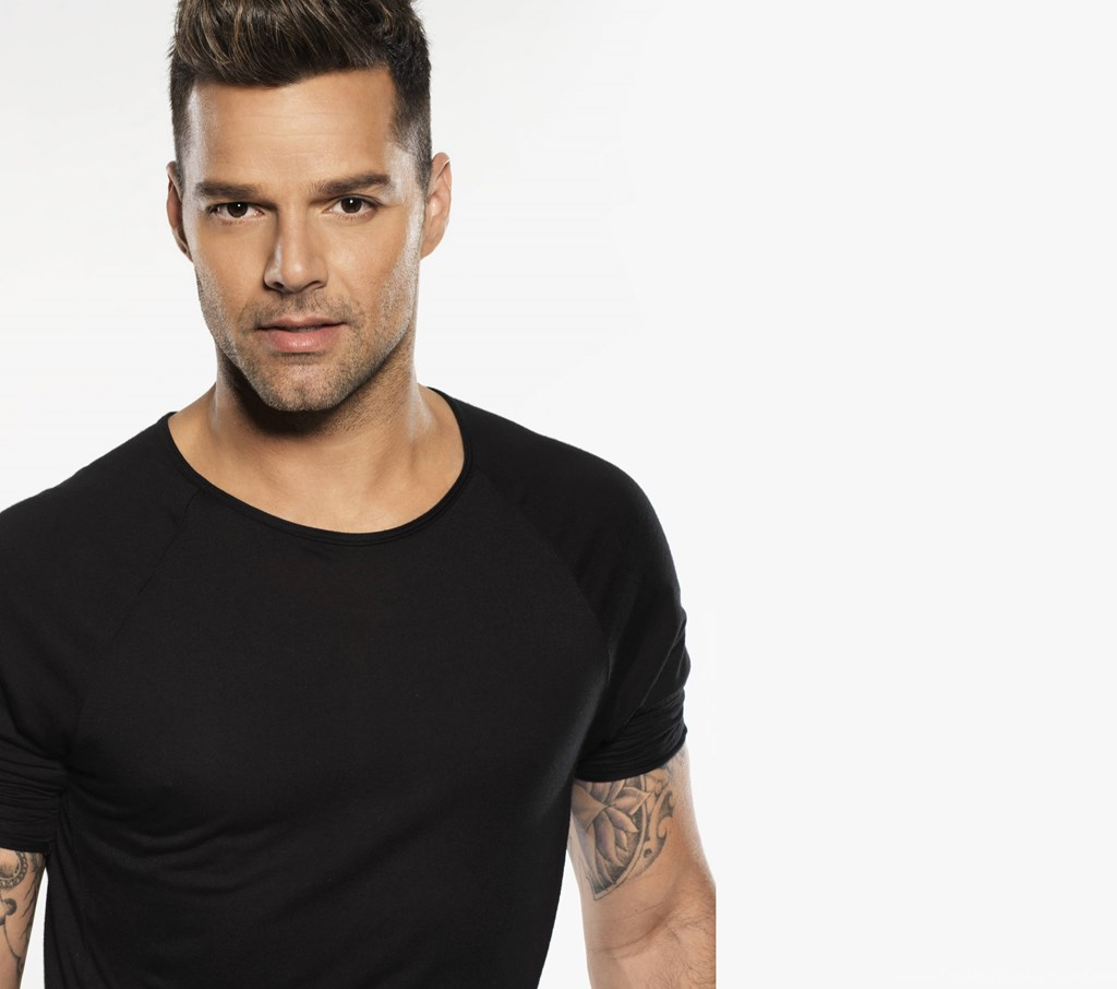 Ricky Martin handsome men 2018