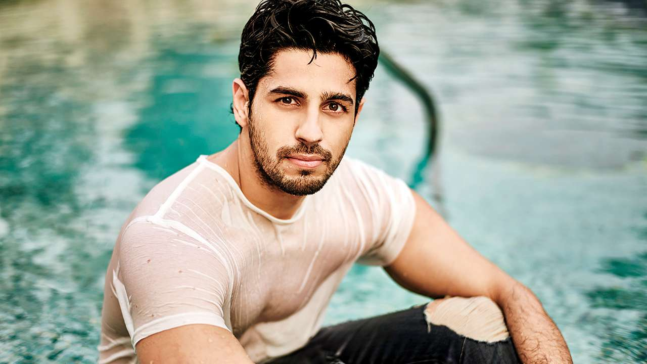 Siddharth Malhotra handsome men world 2018