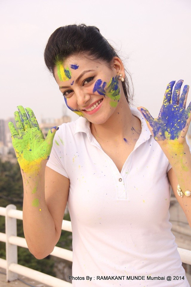 Urvashi No MakeUp Photos
