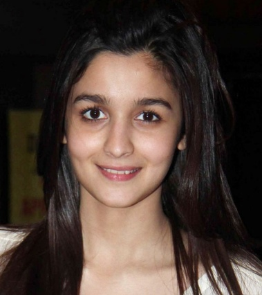 1726_CAUGHT-10-Pictures-Of-Alia-Bhatt-Without-Makeup.jpg