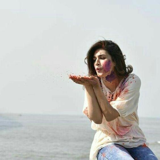 Kriti Sanon no makeup photos.jpg