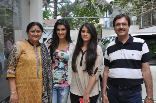 Kriti Sanon without makeup photos