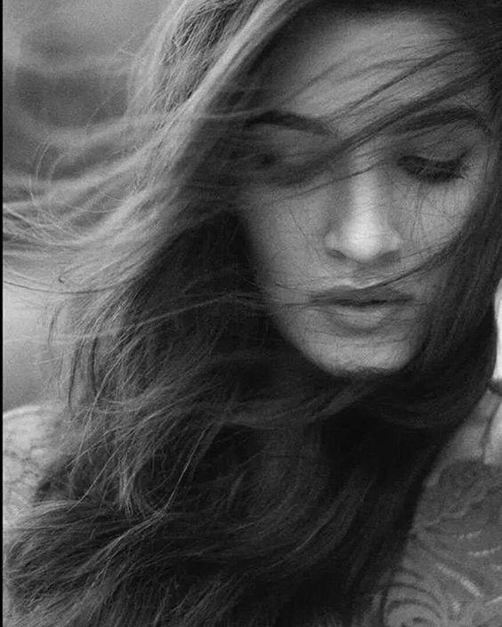 Kriti Sanon without makeup photos.jpg