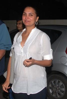 Lara Dutta Miss India without makeup photos