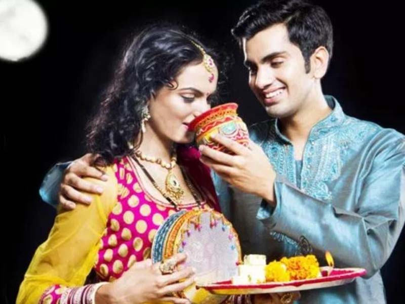 Things You Can Do For Your Hubby This Karwa Chauth 1