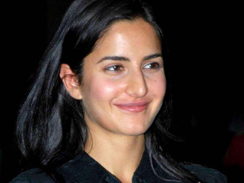 Popular Bollywood Celebrities Without Makeup 2
