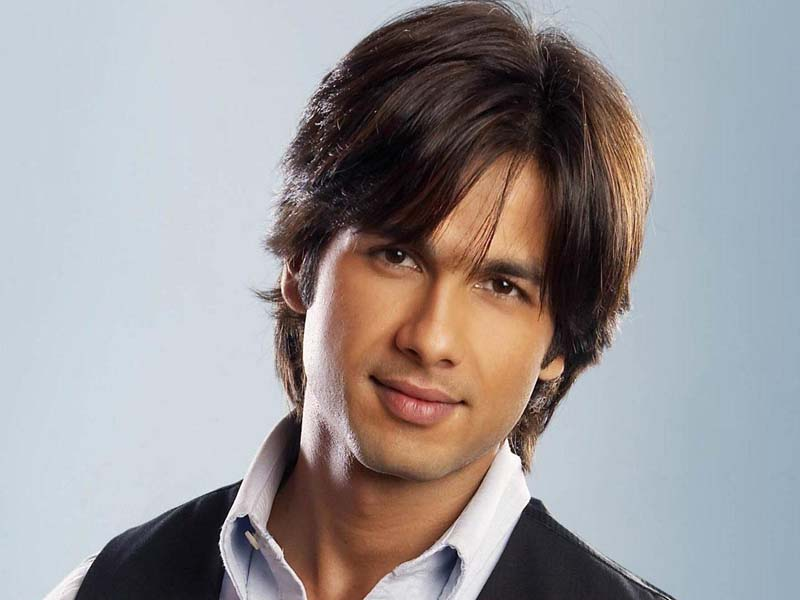Shahid Kapoor Hairstyles That Attracts Every Woman Towards Him