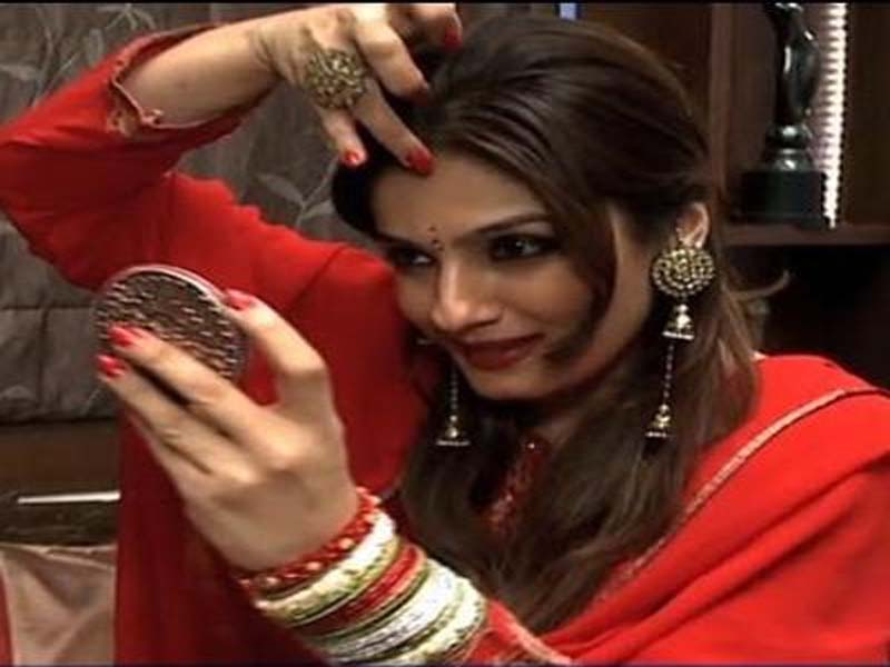 Hairstyles Adopted By Different Bollywood Celebrities For Karwa Chauth 2