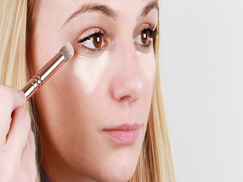 Steps To Follow For A Perfect Bridal Eye Makeup 1