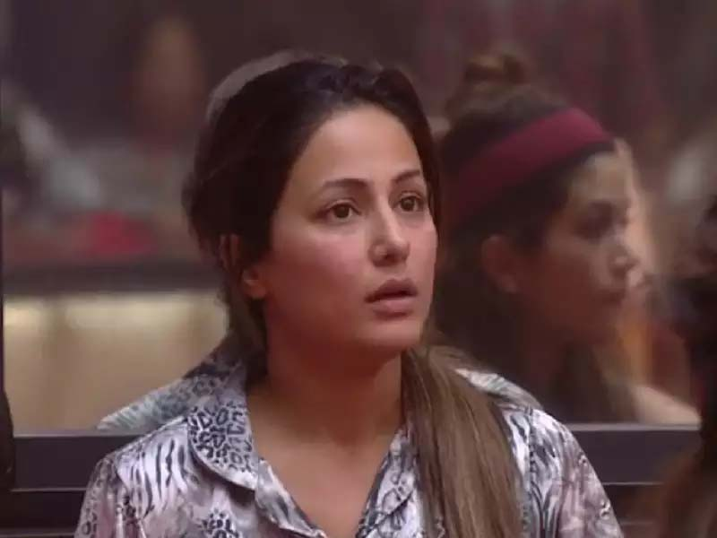 Hina Khan without makeup photos
