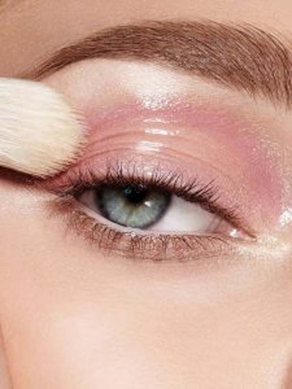 Steps To Follow For A Perfect Bridal Eye Makeup 6