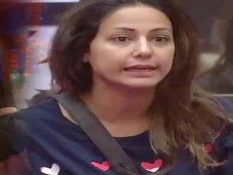 Hina Khan without makeup photos