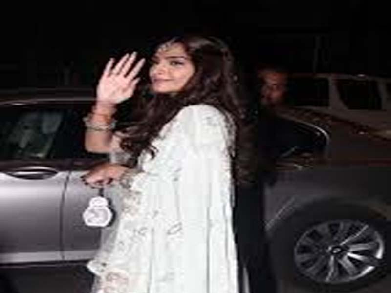 Best Hairstyles Of Popular Celebrities For Diwali 5