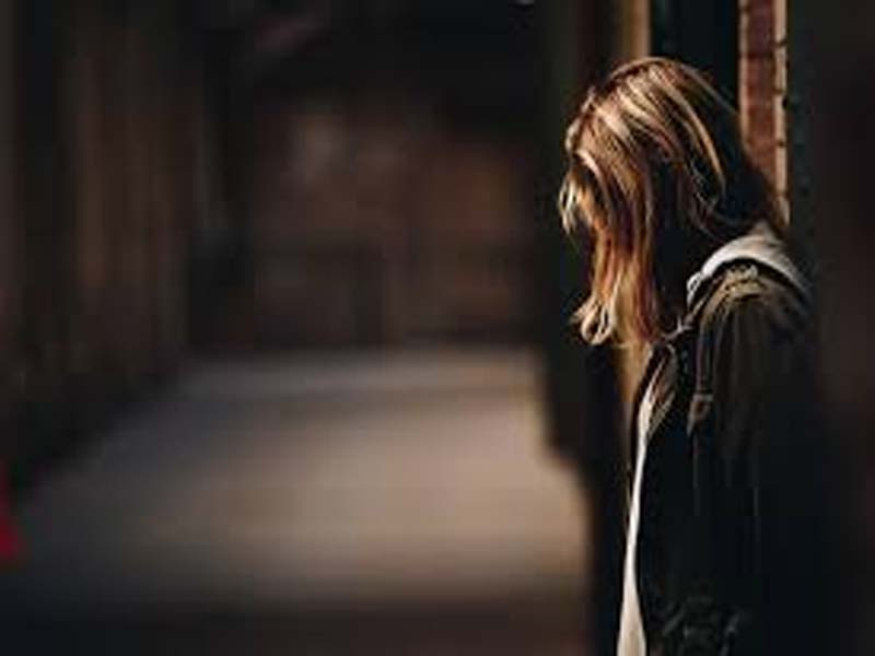 7 Signs If She Misses You after Breakup 3