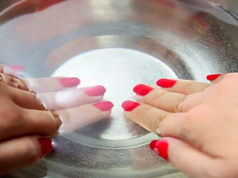 Tutorial - How to Dry Your Nail Polish Faster [With Pictures] 6