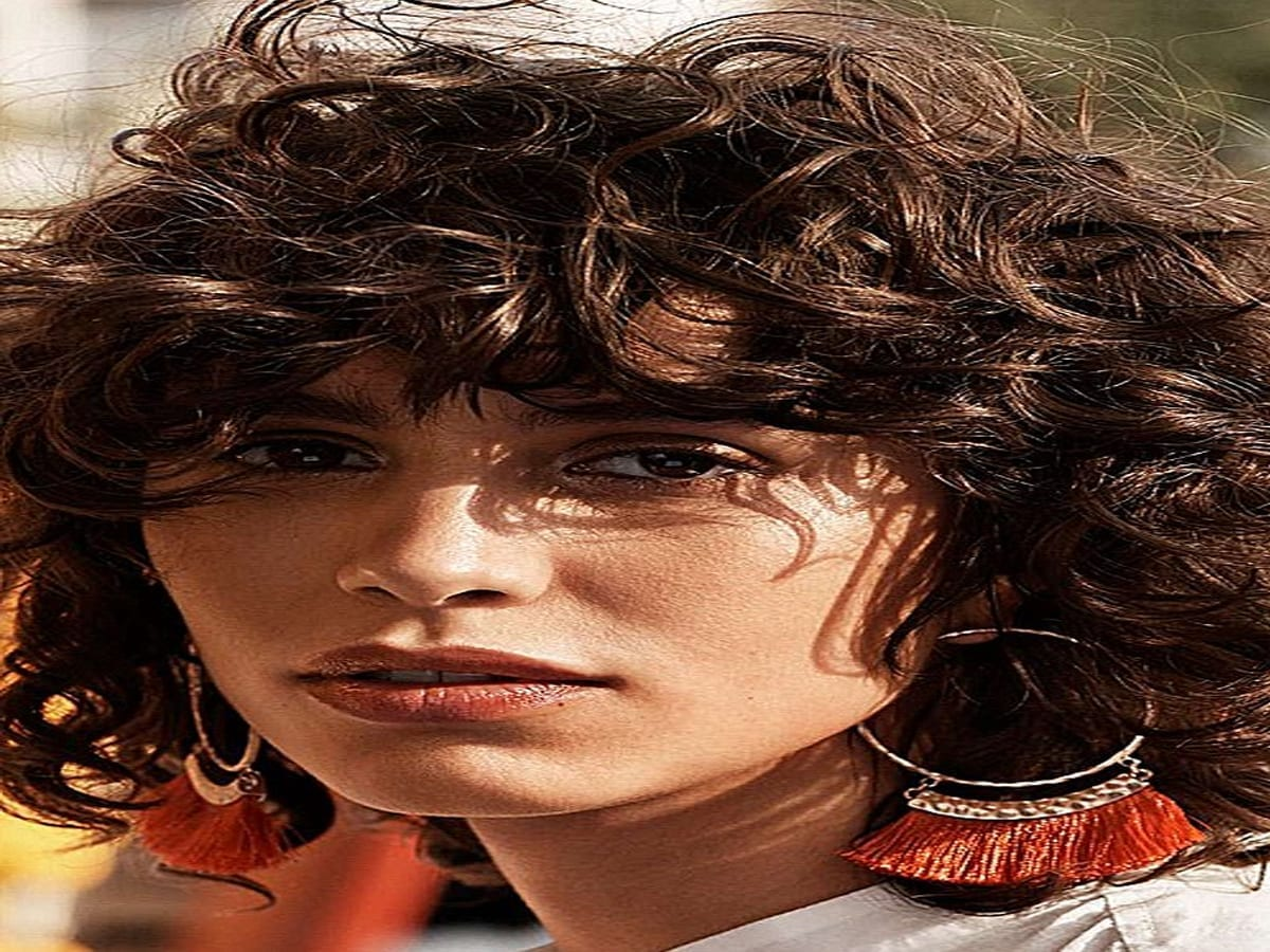 List of Trendy Curly Bob Hairstyles in 2019 7
