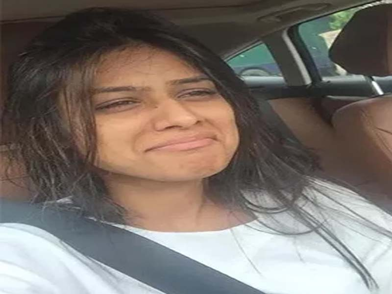 List of Nia Sharma's Without Makeup Photos 1