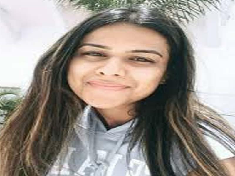 Nia Sharma - TV Actress without makeup photos