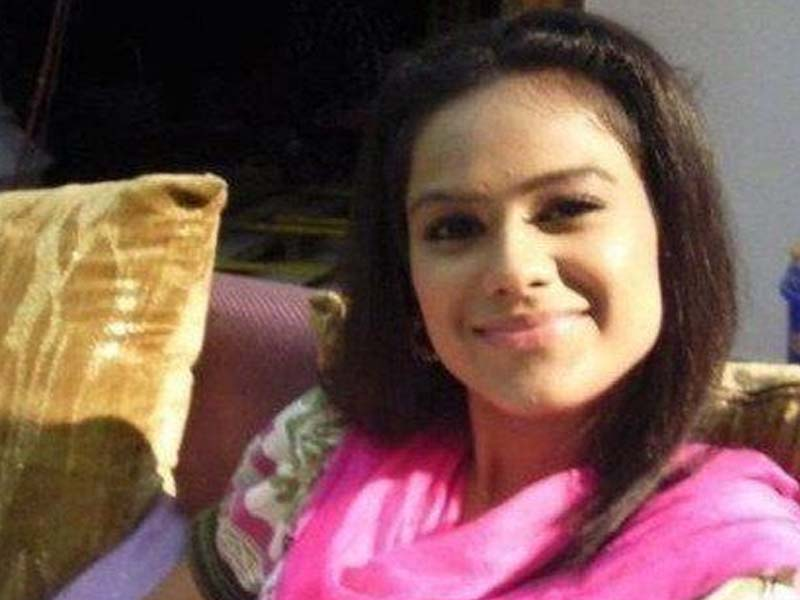 Nia Sharma - TV Actress without makeup photos