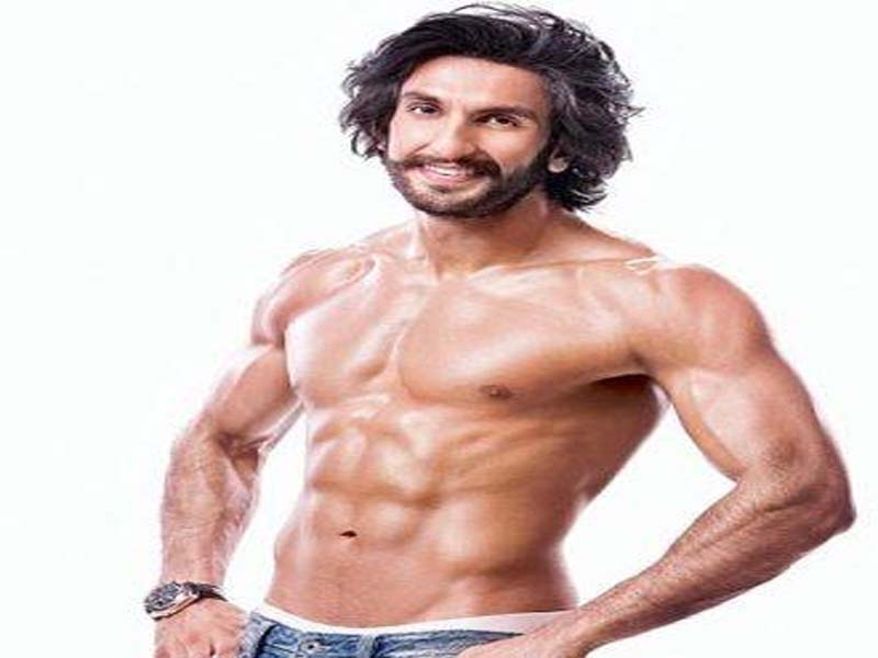 Famous Bollywood Actors With Good Physique 4