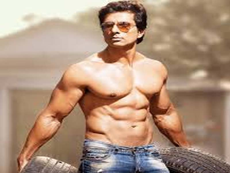 Famous Bollywood Actors With Good Physique 6