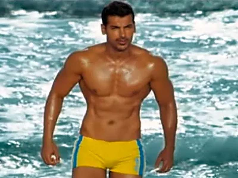 Famous Bollywood Actors With Good Physique 3
