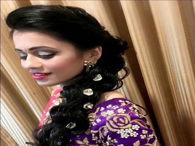 List of Beautiful Hairstyles on Saree 3