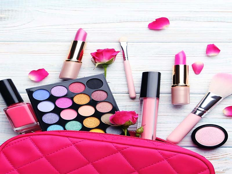 List Of Makeup Essentials, If Your Age Group Is 21 To 25 1